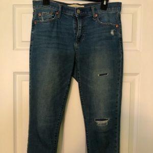 Gap Mid-Rise Best Girlfriend Jeans. 525346, 27